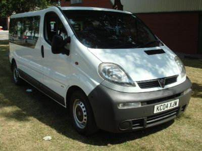 Vauxhall Vivaro 2.5 One owner low mileage Commercial Diesel WhiteVauxhall Vivaro 2.5 One owner low mileage Commercial Diesel White at Chequered Flag GB LTD Leeds