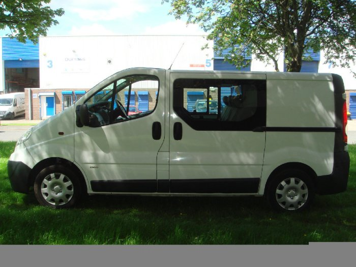 Vauxhall Vivaro 2.0CDTI [115PS] Doublecab 2.9t Commercial Diesel White