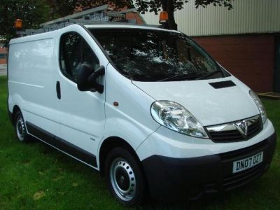 Vauxhall Vivaro 2.0CDTI [115PS] Van 2.9t, One Owner Low Mileage Panel Van Diesel WhiteVauxhall Vivaro 2.0CDTI [115PS] Van 2.9t, One Owner Low Mileage Panel Van Diesel White at Chequered Flag GB LTD Leeds