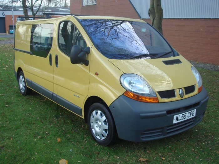 Renault Trafic 1.9 TD dCi LL29 Crew Cab Chassis 4dr Combi Van Diesel Yellow