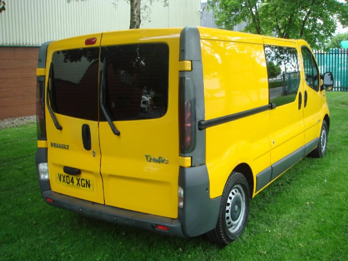 Renault Trafic 1.9TD LL29dCi 100 Chassis Cab Combi-Van Diesel Yellow