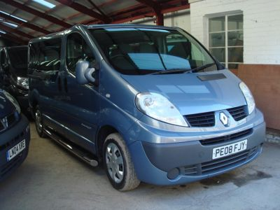 Renault Trafic 2.0 TD dCi SL27 Sport Mini Bus 4dr (9 Seats) Minibus Diesel BlueRenault Trafic 2.0 TD dCi SL27 Sport Mini Bus 4dr (9 Seats) Minibus Diesel Blue at Chequered Flag GB LTD Leeds